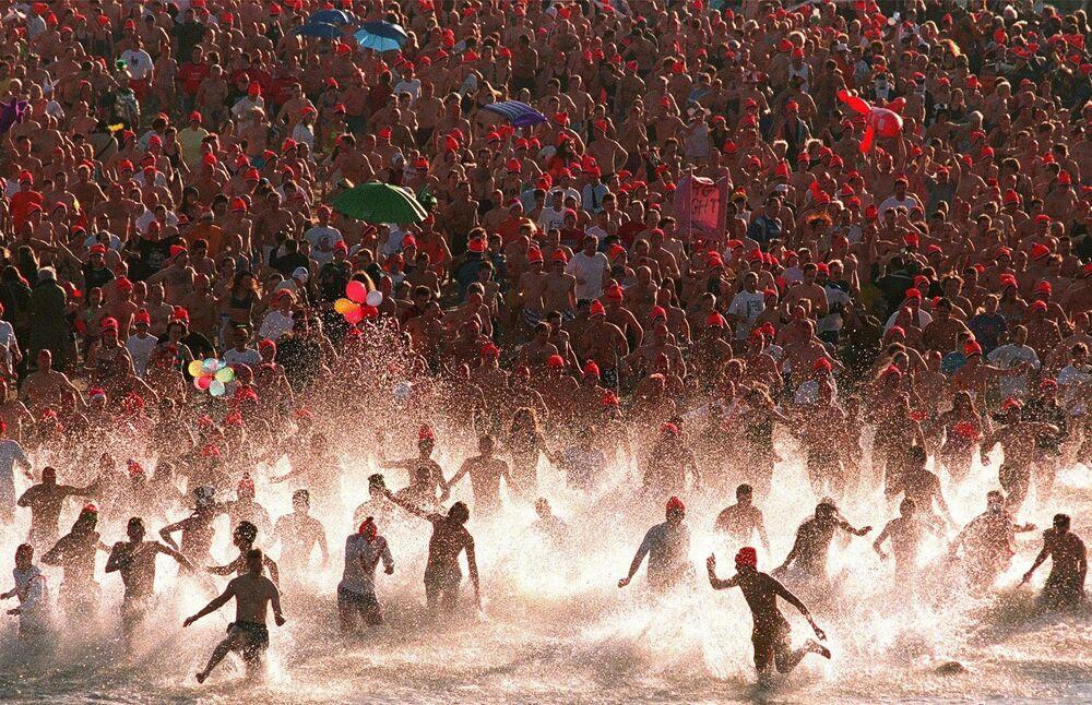Pływanie w Morzu Północnym 1 stycznia 1999 roku w Niderlandach