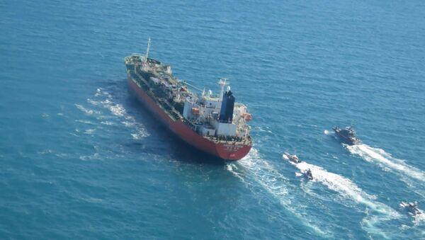 Południowokoreański tankowiec Hankuk Chemi w Zatoce Perskiej - Sputnik Polska