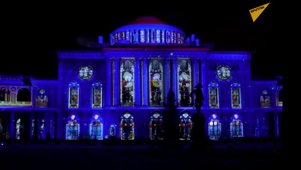"""Festiwal pokazów świateł i ognia """"Gwiazda Bożonarodzeniowa"""" - Sputnik Polska"""