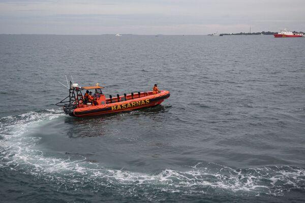 Akcja poszukiwawcza na miejscu katastrofy Boeinga 737 na Morzu Jawajskim - Sputnik Polska