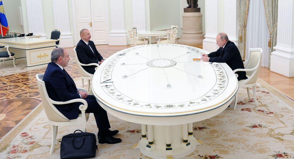 Rozmowa Putina, Pasziniana i Alijewa na Kremlu.