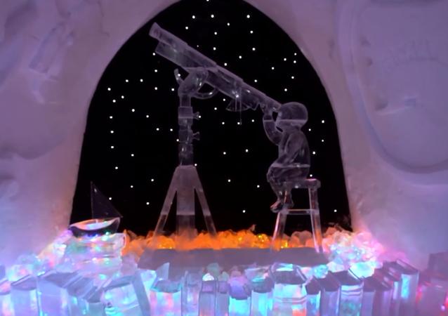 Z wizytą u Królowej Śniegu: zachwycająca wystawa rzeźb lodowych
