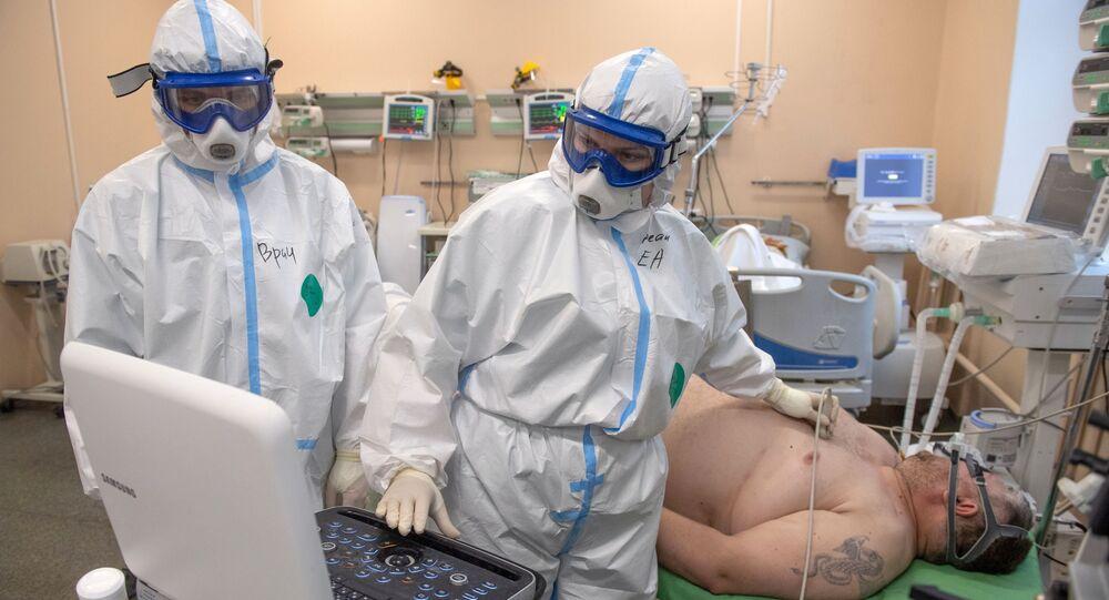 Naukowcy ostrzegają przed ryzykiem dysfunkcji mózgu u pacjentów z COVID-19.