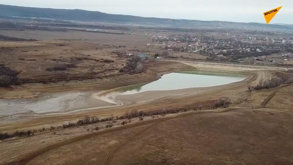 Na Krymie brakuje wody pitnej - Sputnik Polska