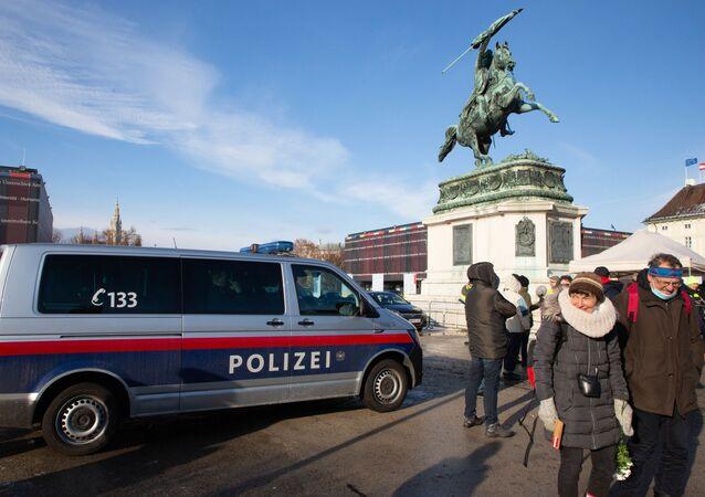 Protest przeciwników kwarantanny narodowej w Wiedniu.