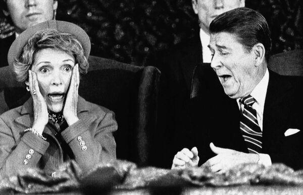 Ronald Reagan z żoną Nancy  - Sputnik Polska