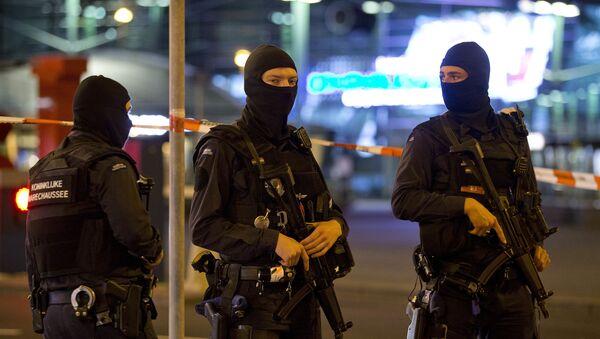 Funkcjonariusze Żandarmerii Wojskowej w Amsterdamie. Zdjęcie archiwalne - Sputnik Polska