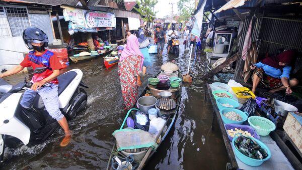 Powódź w Indonezji - Sputnik Polska