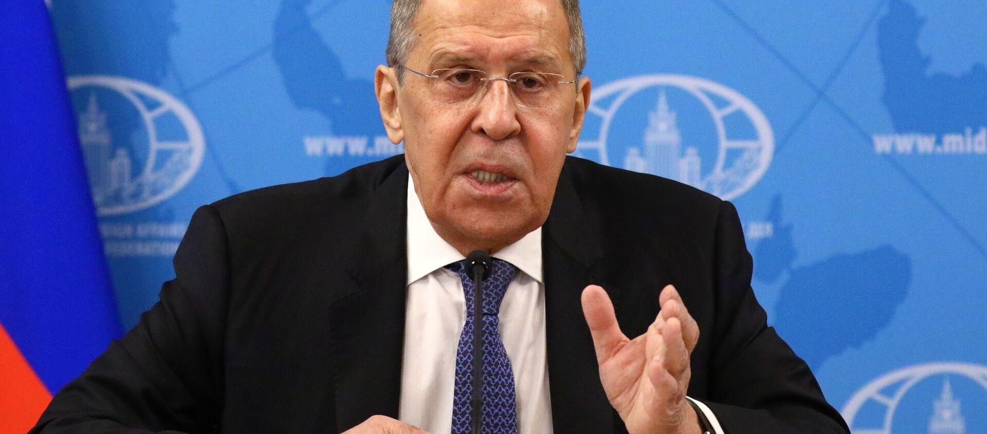 Minister spraw zagranicznych Rosji Siergiej Ławrow na konferencji prasowej poświęconej efektom działań rosyjskiej dyplomacji w 2020 roku - Sputnik Polska, 1920, 19.01.2021
