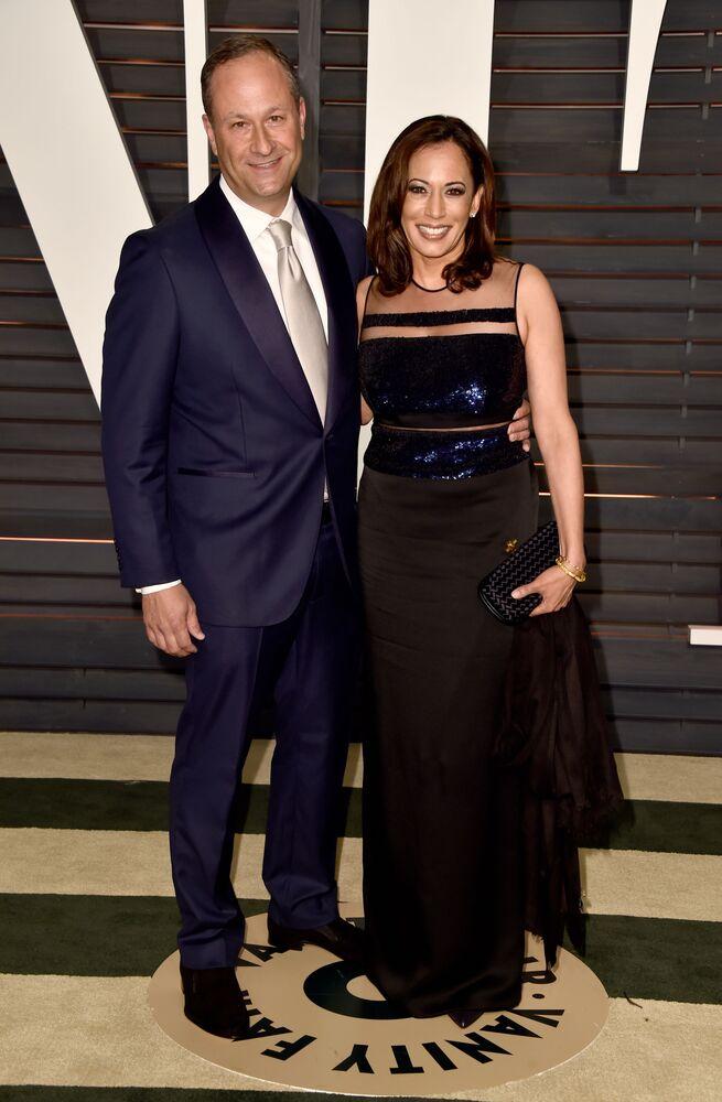 Amerykańska prawniczka Kamala Harris na 2015 Vanity Fair Oscar Party w Kalifornii