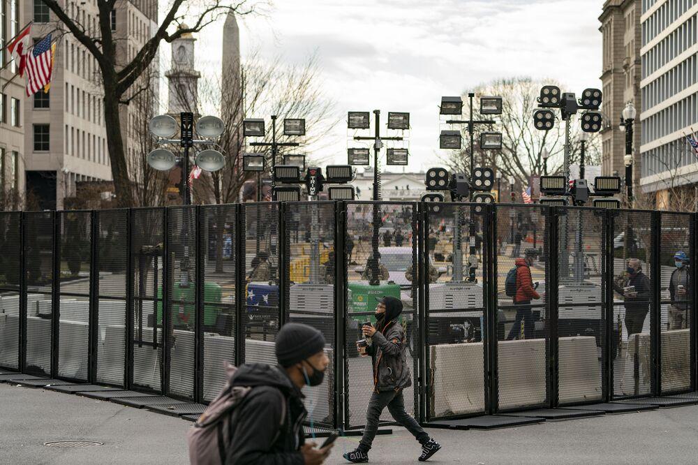 Wzmocnienie środków bezpieczeństwa przed inauguracją prezydenta elekta Joe Bidena w Waszyngtonie