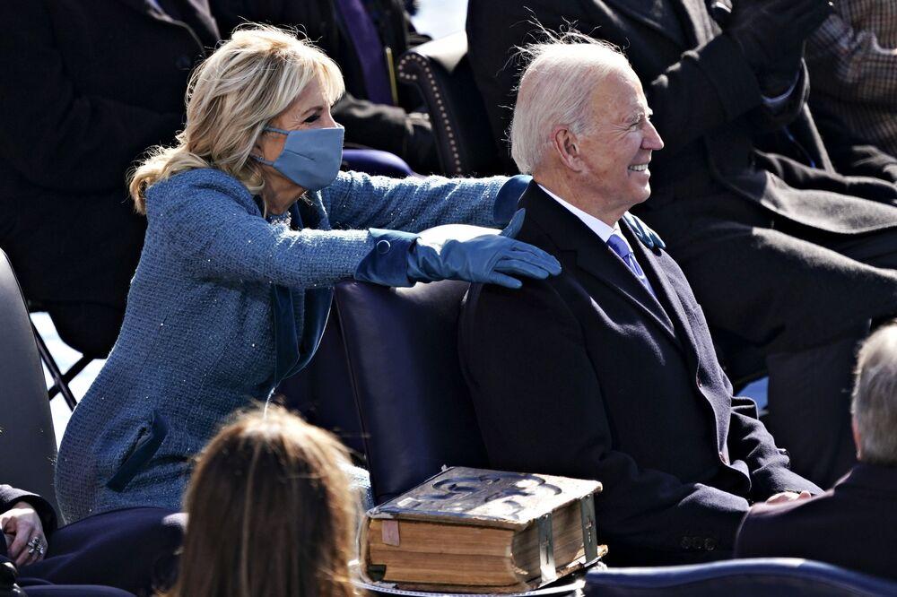 Joe i Jill Bidenowie podczas inauguracji w Waszyngtonie