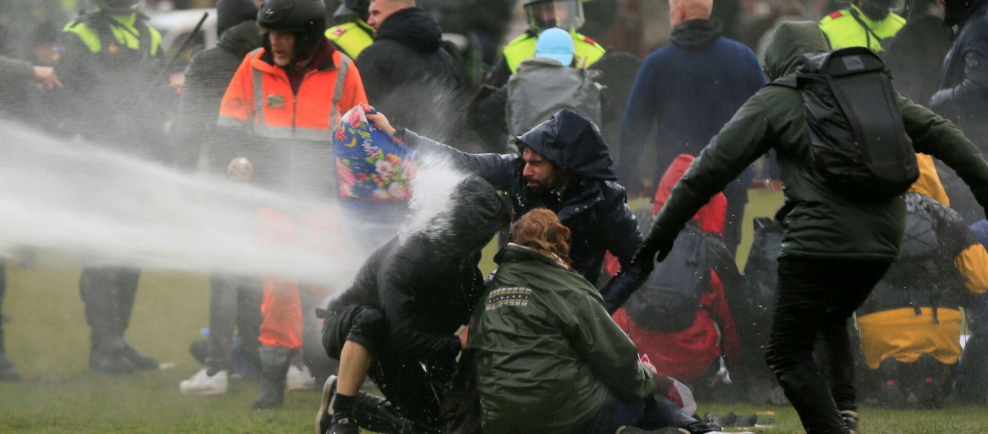 Protesty w Holandii - Sputnik Polska, 1920, 28.01.2021