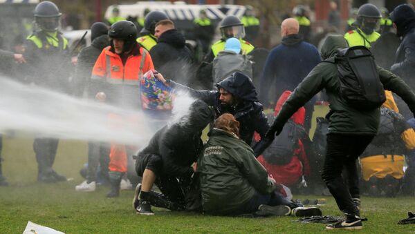 Protesty w Holandii - Sputnik Polska