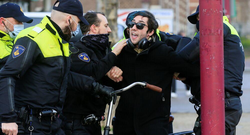 Protesty w Amsterdamie