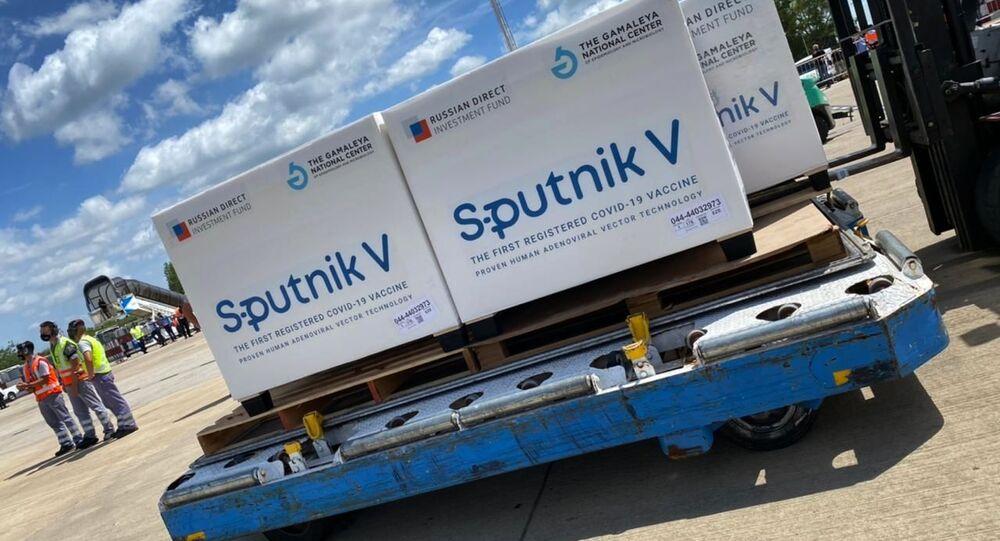 "Rosyjska szczepionka ""Sputnik V"" na lotnisku w Buenos Aires"
