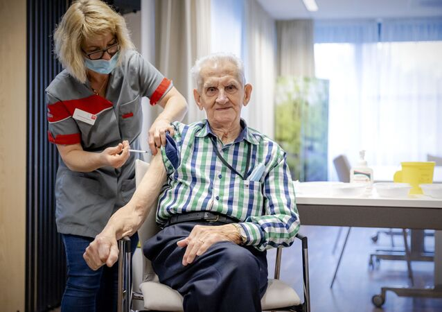 Szczepienia osób starszych w Holandii