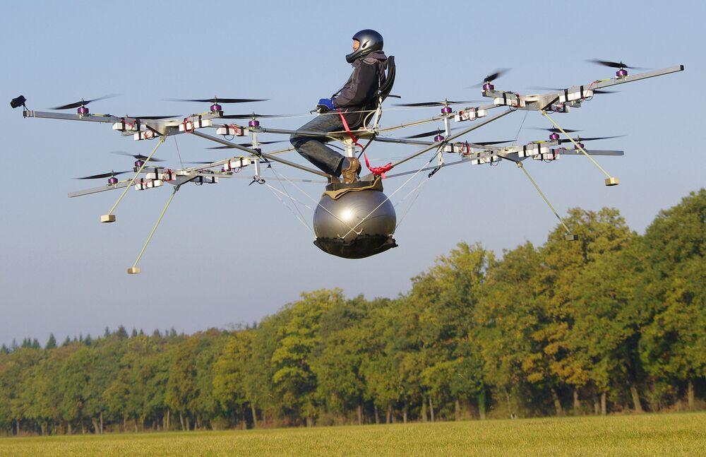 Pierwszy lot drona E-Volo