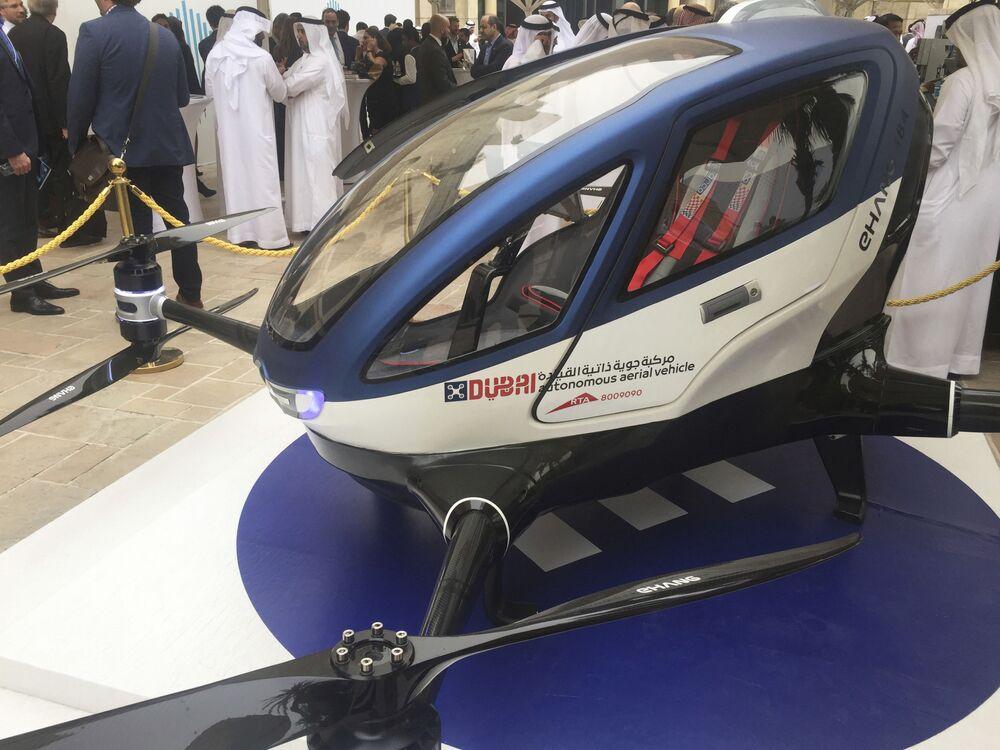 Bezzałogowa taksówka EHang 184 w Dubaju
