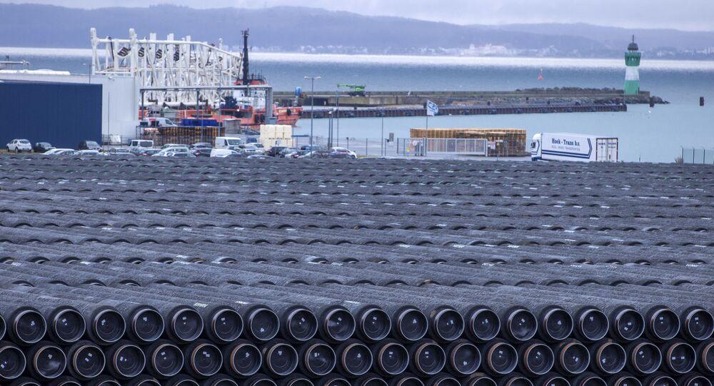Rury do budowy gazociągu Nord Stream 2 w porcie Mukran w Sassnitz w Niemczech.