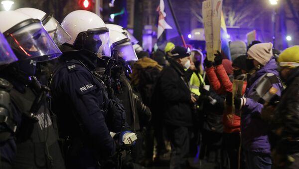 Demonstracje w Polsce 28 stycznia przeciwko zmianom w prawie aborcyjnym - Sputnik Polska