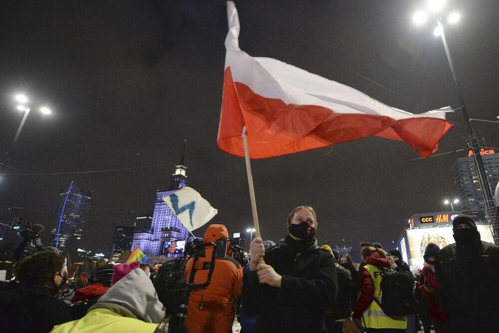 Akcja przeciwko zaostrzeniu prawa aborcyjnego w Warszawie.
