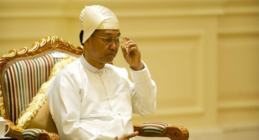 Wiceprezydent Mjanmy Myint Swe podczas ceremonii w Pałacu Prezydenckim w 2016 roku