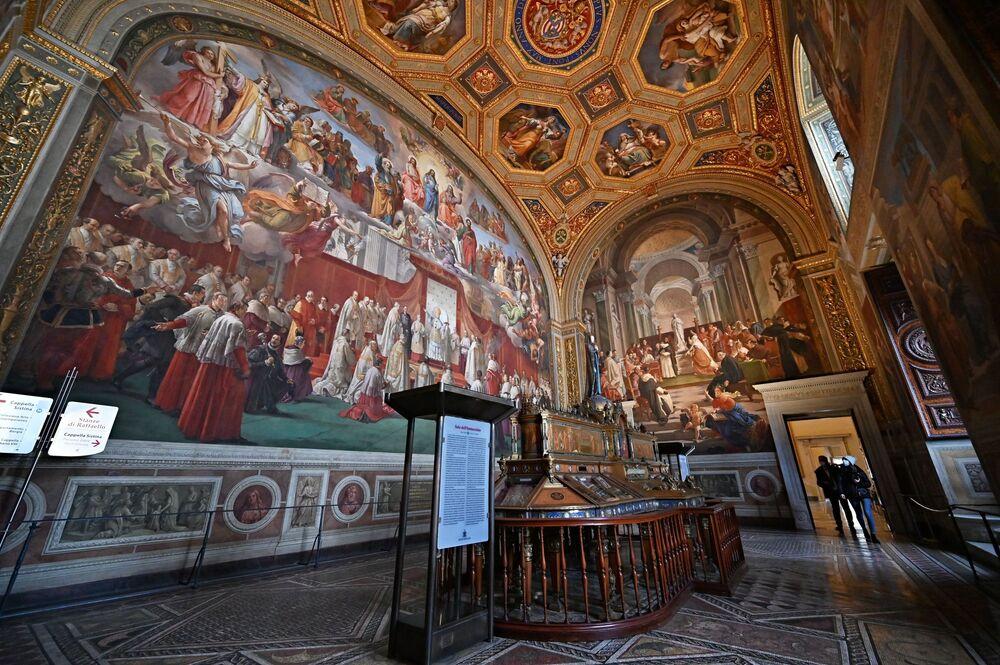 Odwiedzający w Sala dell'Immacolata w Watykanie