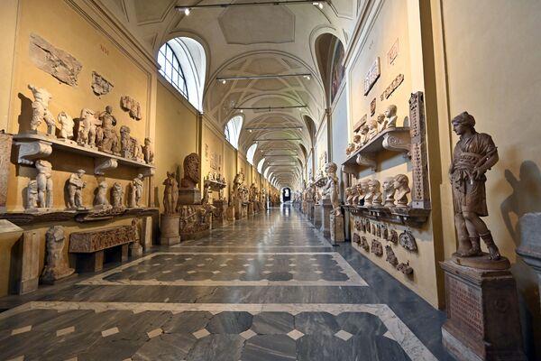 Pusty korytarz Muzeum Watykańskiego - Sputnik Polska