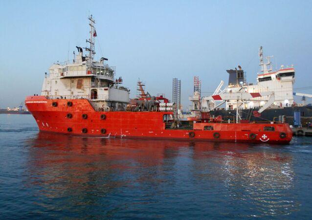 """Statek zaopatrzeniowy """"Bałtijskij Issliedowatiel""""."""