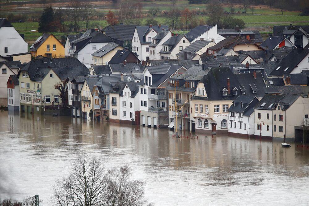 Zatopione miasteczko Vallendar w Niemczech