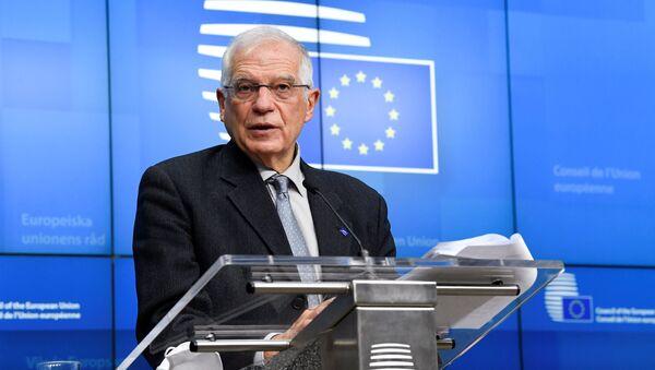 Wysoki przedstawiciel UE ds. polityki zagranicznej i bezpieczeństwa Josep Borrell przemawia na konferencji w Brukseli - Sputnik Polska