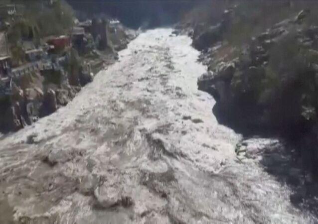 Pęknięcie lodowca w Indiach