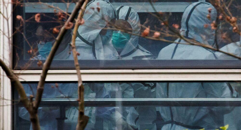 Eksperci Światowej Organizacji Zdrowia w Wuhan