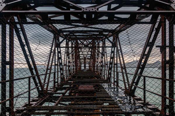 Zdjęcie starego doku załadunkowego rudy w Mionnier autorstwa hiszpańskiego fotografa Ondare Lagunaka, który wygrał konkurs Wiki Loves Monuments 2020 w Hiszpanii - Sputnik Polska