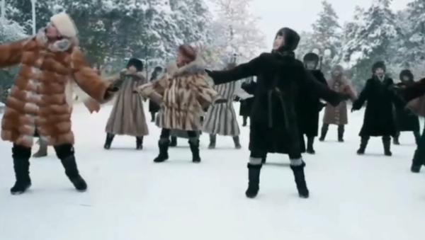 Tańce w -45  - Sputnik Polska