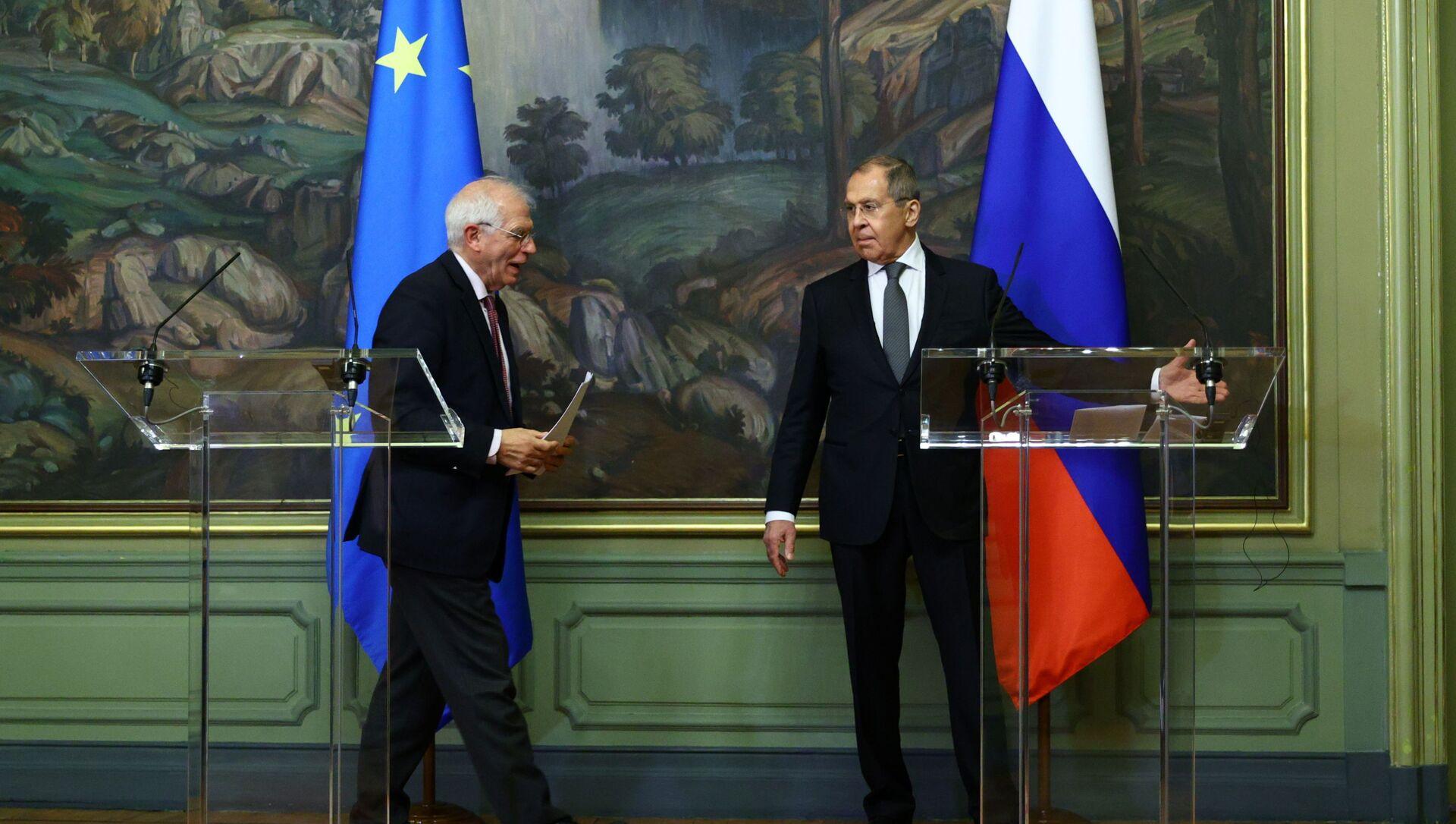 Minister spraw zagranicznych Rosji Siergiej Ławrow i szef unijnej dyplomacji Josep Borrell, Moskwa, 05.02.2021 r. - Sputnik Polska, 1920, 09.02.2021