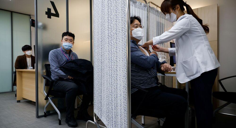 Ćwiczenia dotyczące szczepień na COVID-19 w Seulu