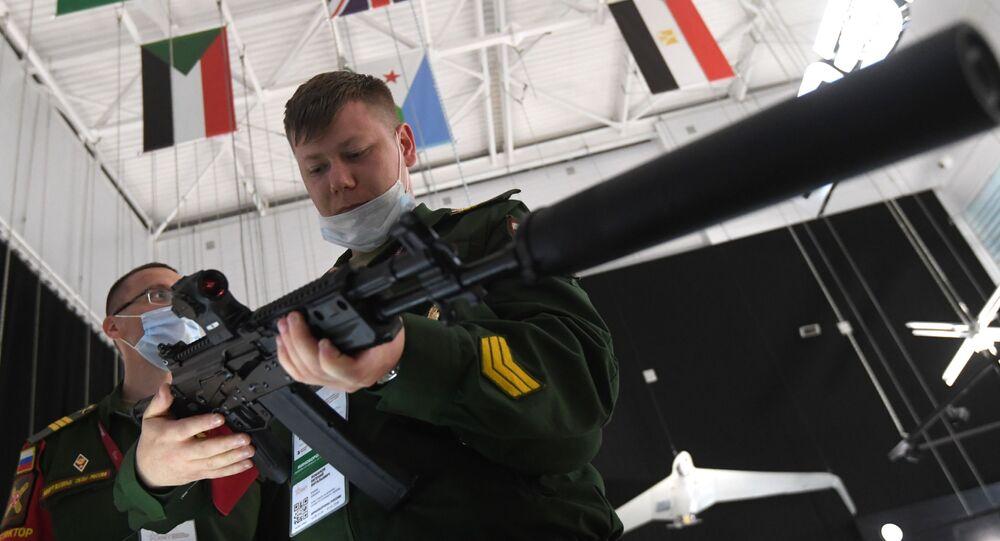 Nowa wersja karabinu szturmowego Kałasznikow AK-19