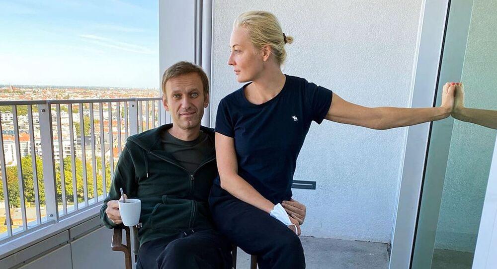 """Aleksiej Nawalny i jego żona Julia w berlińskiej klinice """"Charite"""""""