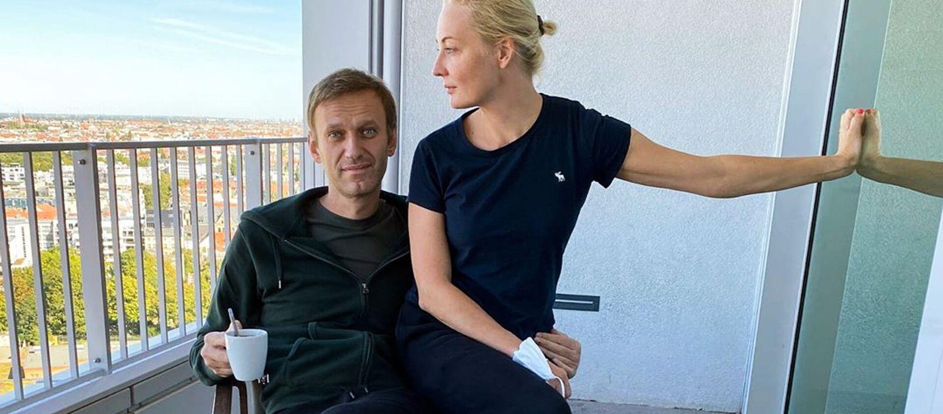 """Aleksiej Nawalny i jego żona Julia w berlińskiej klinice """"Charite"""" - Sputnik Polska, 1920, 18.02.2021"""