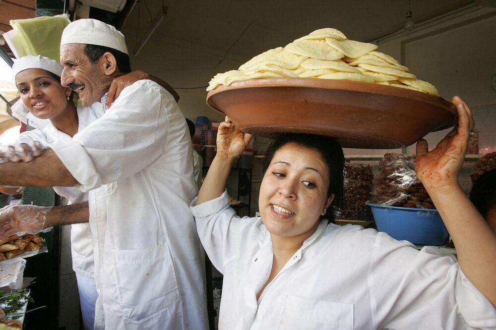 Sprzedaż  marokańskich specjałów i naleśników