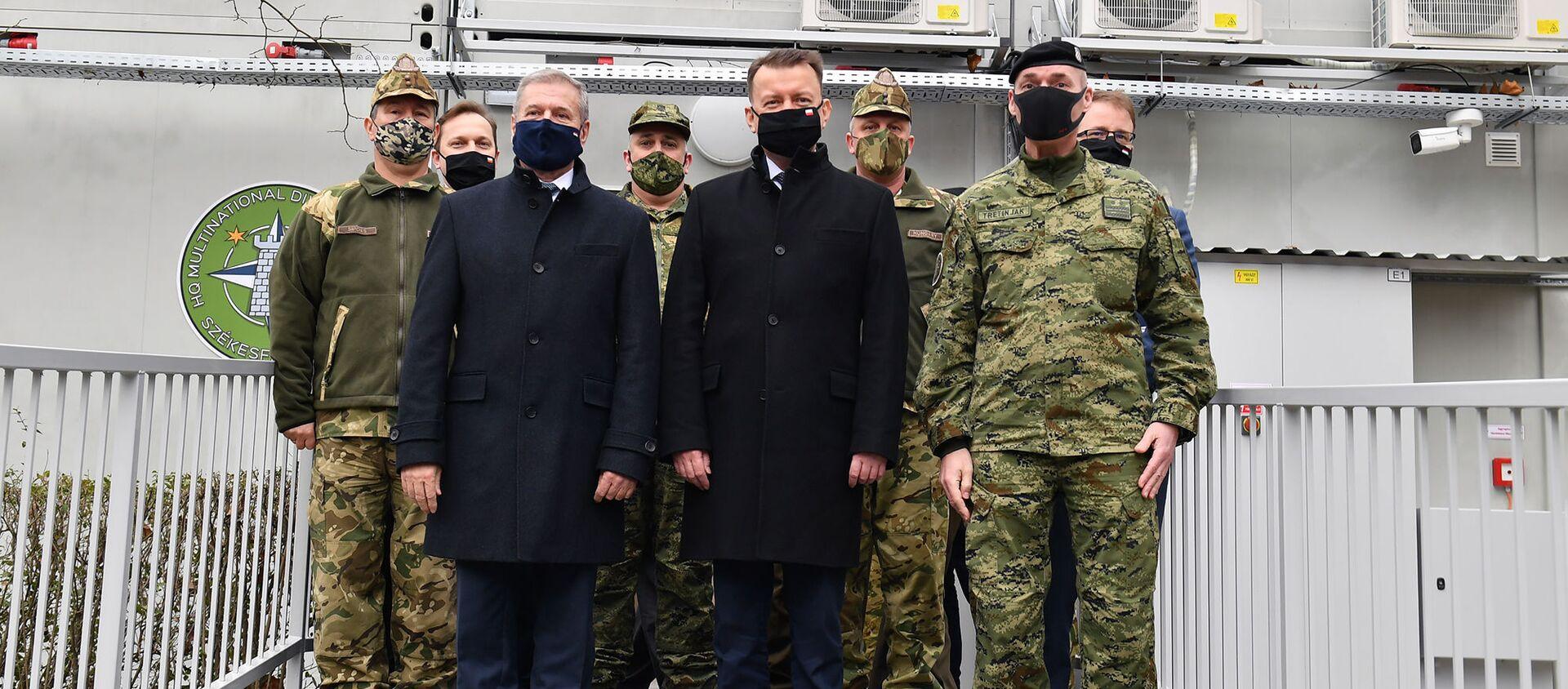 Spotkanie bilateralne Mariusza Błaszczaka Ministra Obrony Narodowej z Panem Tiborem Benkő Ministrem Obrony Węgier - Sputnik Polska, 1920, 16.02.2021