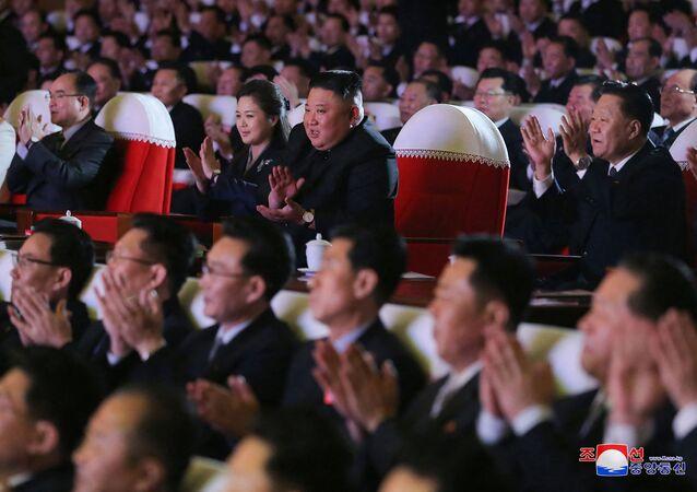 Korea Północna Kim Jong Un Kim Jong Un Lee Seol Joo Ri Sol Ju żona występ muzyczny
