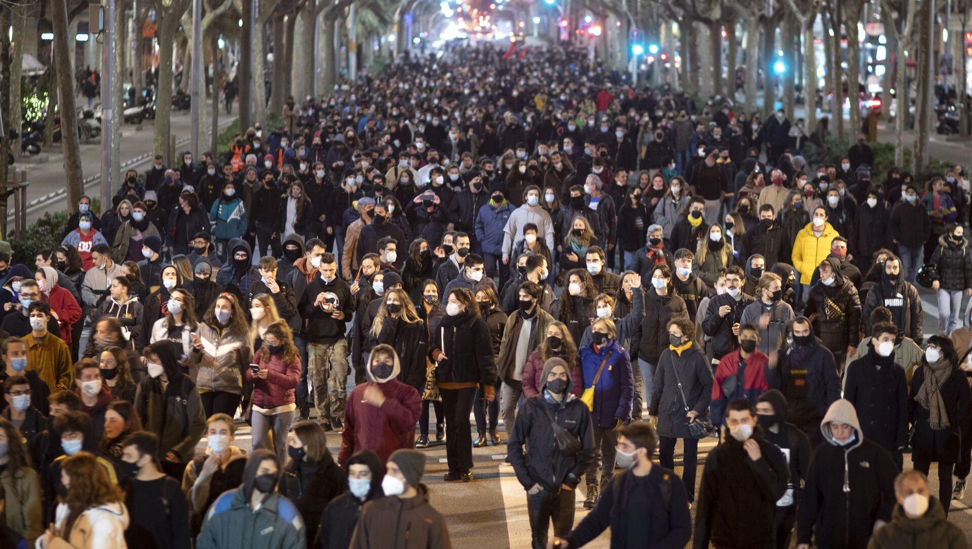 Protesty w Barcelonie przeciwko aresztowaniu rapera Pablo Hasela - Sputnik Polska, 1920, 17.02.2021