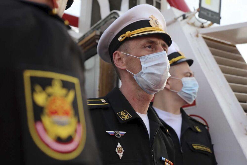 Oficerowie marynarki wojennej Rosji podczas wspólnych ćwiczeń irańskiej i rosyjskiej marynarki wojennej na Oceanie Indyjskim
