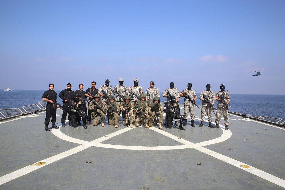 Wspólne ćwiczenia irańskiej i rosyjskiej marynarki wojennej na Oceanie Indyjskim