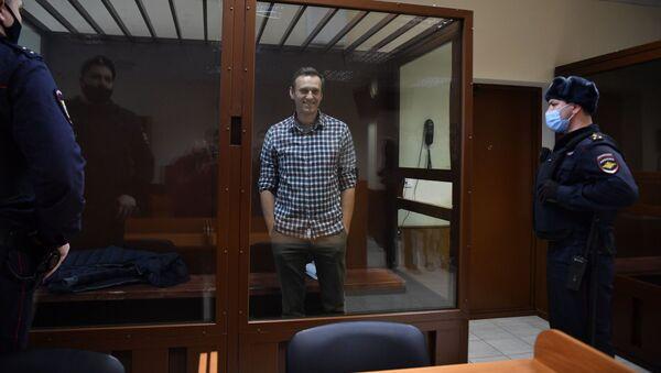 Aleksiej Nawalny na sali rozpraw w Rejonowym Sądzie Babuszkinskim w Moskwie. - Sputnik Polska