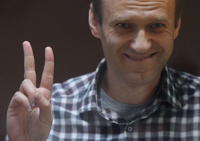 Aleksiej nawalny podczas rozprawy w moskiewskim sądzie