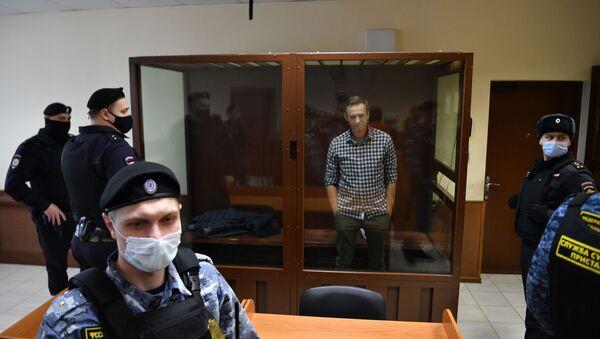 Aleksiej Nawalny w moskiewskim sądzie - Sputnik Polska